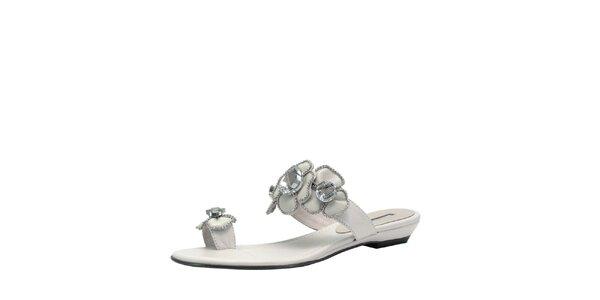 Dámské bílé sandálky s květinami Roberto Botella