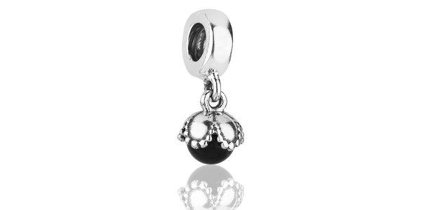 Stříbrný přívěsek Pandora s černým onyxem
