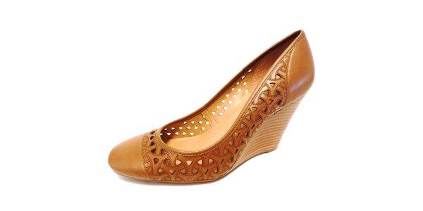 Dámské světle hnědé perforované boty na klínku Via Uno