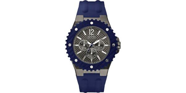 Pánské hodinky s modrým silikonovým řemínkem Guess