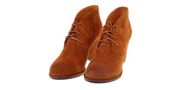 Dámské velbloudí semišové boty Buffalo s vysokým podpatkem