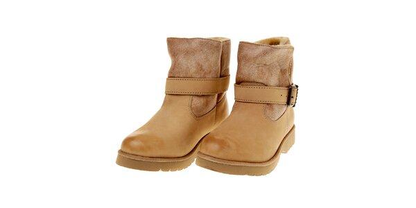 Dámské nízké béžové boty Buffalo s kožíškem
