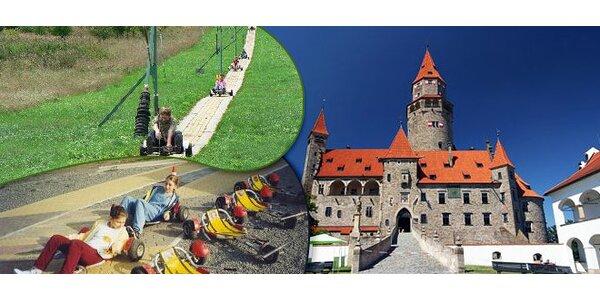 7 jízd na minikárách u hradu Bouzov