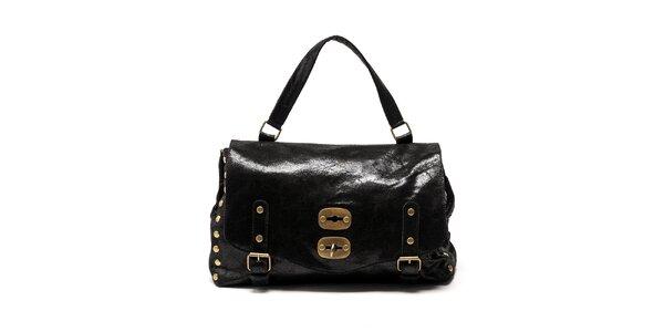 Dámská černá kabelka s přezkami a cvočky Carla Ferreri
