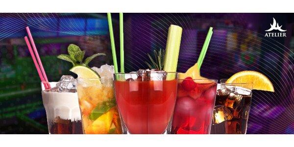 Míchané drinky v music klubu na Starém městě