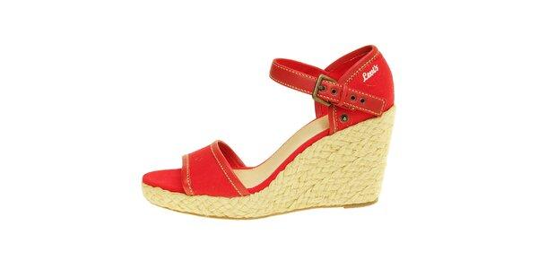 Dámské červené sandály Levis na jutovém klínu