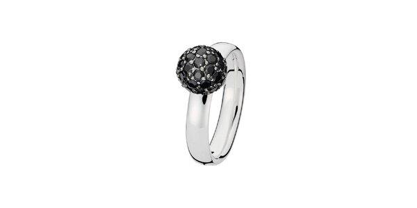 Dámský prstýnek s černou kuličkou Spinning
