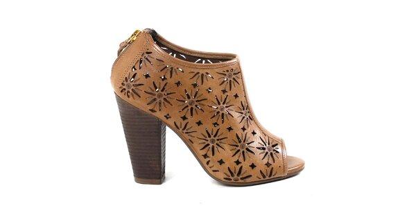 Dámské béžové kotníčkové perforované boty na podpatku Made In