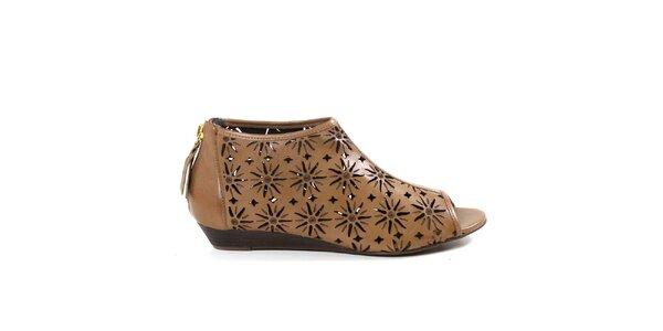 Dámské béžové kotníčkové perforované boty Made In