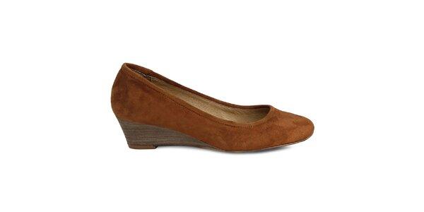 Dámské hnědé semišové boty na klínu Made In