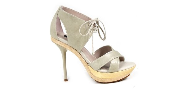 Dámské světlé boty na podpatku s tkaničkou Made In