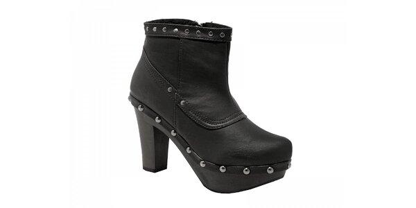 Dámské černé kotníkové boty Red Hot s kovovými cvoky