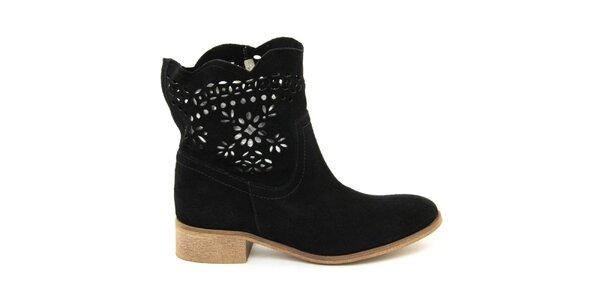 Dámské černé kotníčkové semišové boty s perforací Giorgio Picino