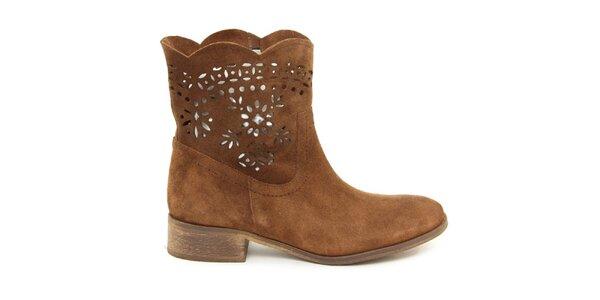 Dámské hnědé kotníčkové semišové boty s perforací Giorgio Picino