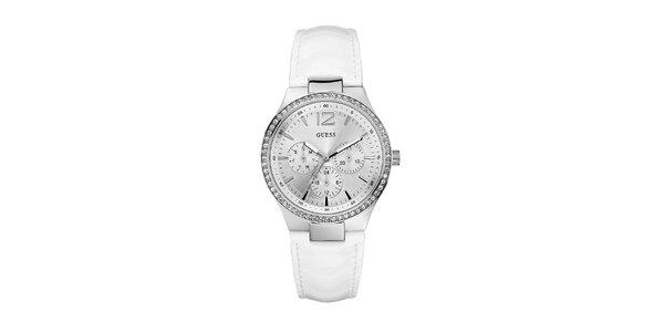 Sportovně elegantní bílé hodinky