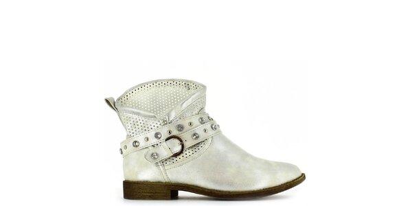 Dámské stříbrné kotníkové boty s perforací a kamínky Shoes and the City