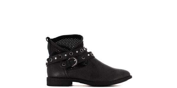 Dámské černé kotníkové boty s perforací a kamínky Shoes and the City