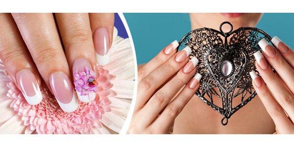 Doplnění gelových nehtů včetně zdobení a lakování
