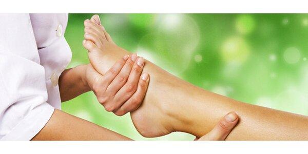 40ti minutová uvolňující masáž nohou včetně plosek nohou