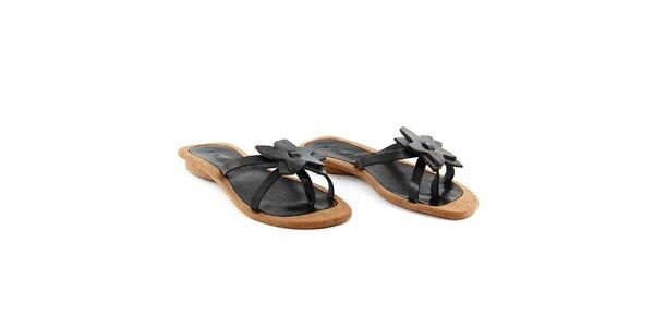Dámské černé pantofle s kytičkou La Bellatrix