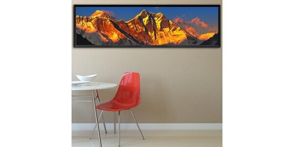 Everest při západu slunce