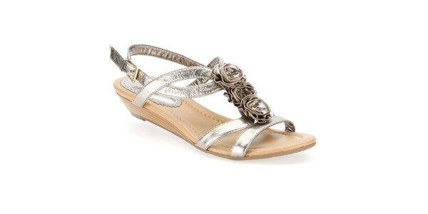 Dámské metalické sandálky s růžičkami Clarks