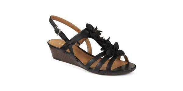 Dámské černé sandály na nízkém klínu Clarks