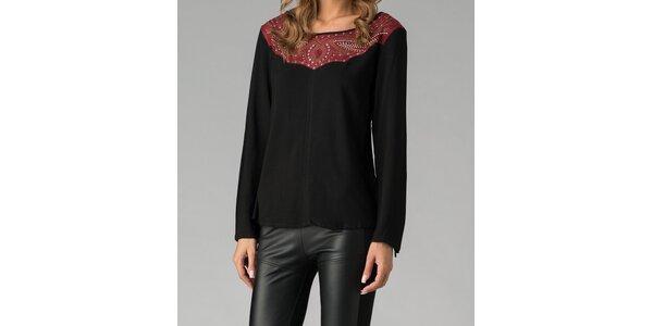 Elegantní černý top se zdobeným sedlem Twist