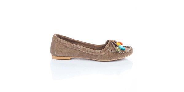 Dámské světle hnědé semišové boty s barevnými růžičkami Bueno