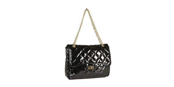 Dámská černá lakovaná kabelka Steve Madden se zlatým řetízkem