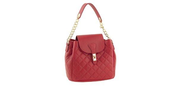 Dámská červená kožená prošívaná kabelka s řetízkem Classe Regina