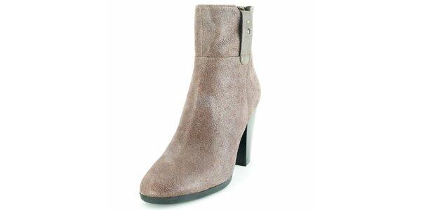 Dámské šedohnědé kotníčkové boty na podpatku Geox