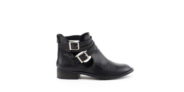 Dámské černé kotníčkové boty s přezkami MISU