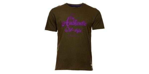 Pánské olivové tričko exe Jeans s fialovým potiskem
