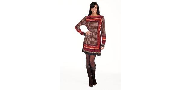 Vínové šaty s geometrickým vzorem Peace&Love