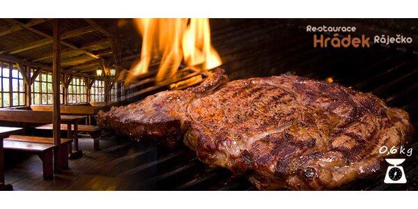 Mix grill 600 g grilovaného masa, přílohy a omáčky pro 2-4 osoby.