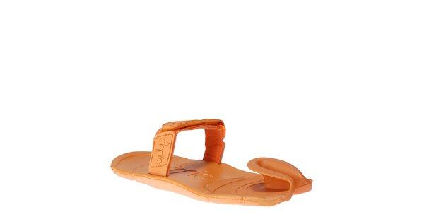 Oranžové boty s textilním páskem přes nárt Dopie