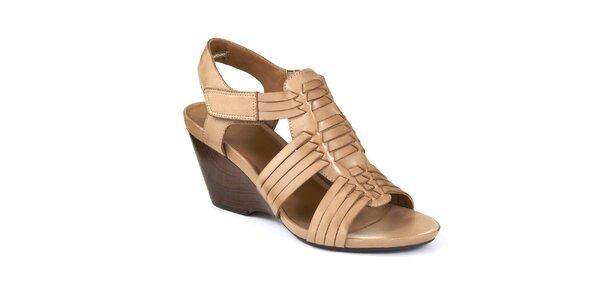 Dámské béžové sandály na klínku Clarks