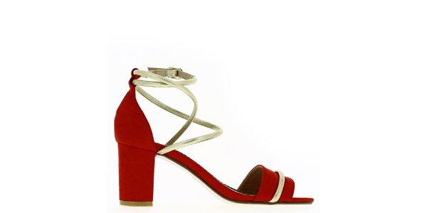 Dámské červené sandálky s blýskavým páskem Shoes and the City