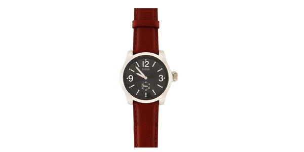 Pánské analogové hodinky s hnědým koženým páskem Guess