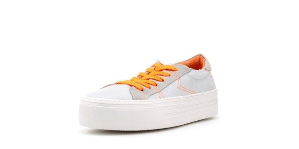 Dámské bílé tenisky s bytelnou platformou a oranžovými prvky Bronx