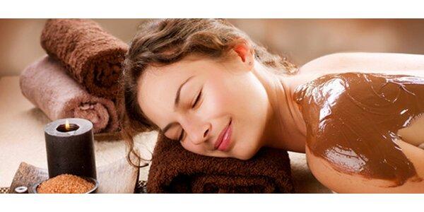 Luxusní čokoládová masáž včetně peelingu a zábalu + ošetření kakaovým máslem