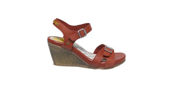 Dámské červené sandálky na klínku Buggy