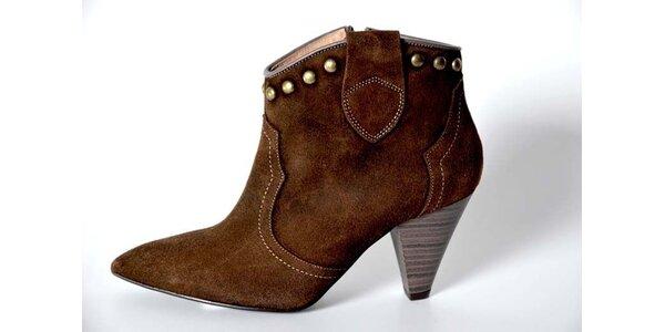 Dámské hnědé kotníkové boty Bluegenex s kovovými cvoky