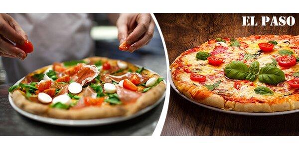 Dvě pizzy o průměru 32 cm v El Pasu na Stodolní