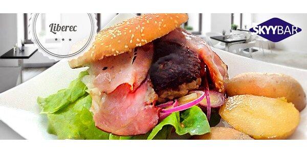 Sleva 50 % na Bacon Burger ve Skyybaru