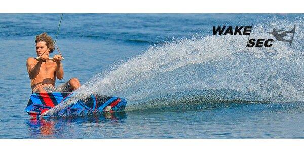 Wakeboarding nebo vodní lyžování na Seči