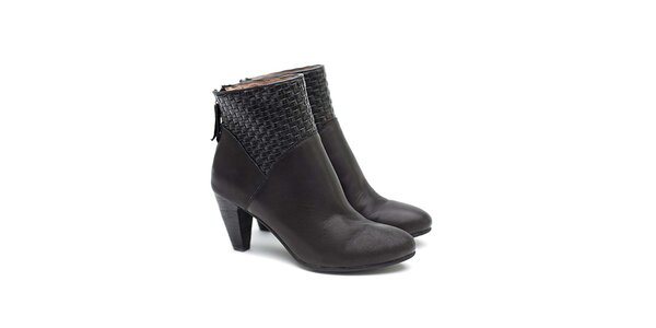 Dámské černé kotníčkové boty z kůže Shoe the Bear