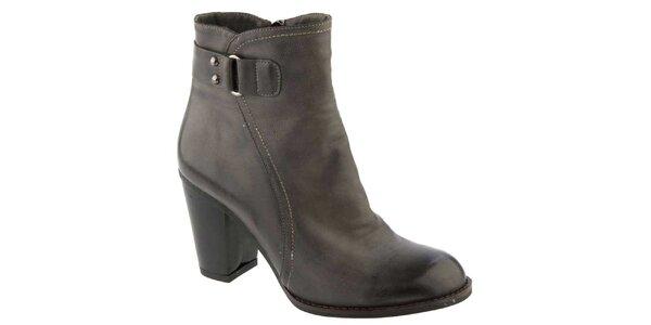 Dámské tmavé kotníčkové boty na podpatku Elisabeth