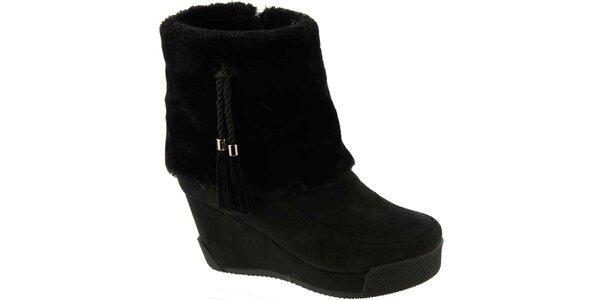 Dámské černé boty na klínu s třásněmi Betsy